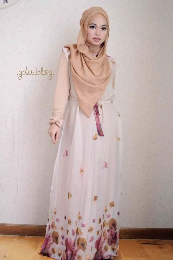 sleevelss-prom-dress-hijabis 21 Prom Outfit Ideas with Hijab - How to Wear Hijab for Prom