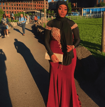 hijabi-prom-outfit- 21 Prom Outfit Ideas with Hijab - How to Wear Hijab for Prom