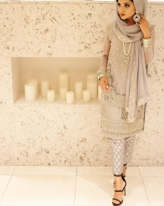13-Hijab-in-grey 30 Ways to Wear Hijab with Indian Ethnic Wear