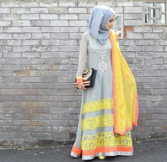 26-Hijab-with-Formal-Desi-outfit 30 Ways to Wear Hijab with Indian Ethnic Wear