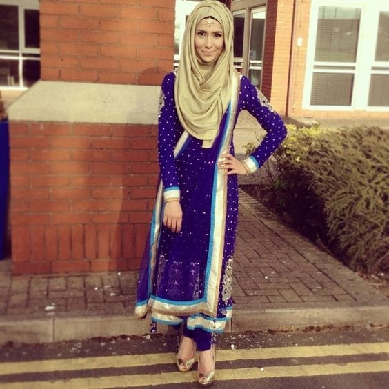 3-Hijab-Golden-with-Indian-clothes 30 Ways to Wear Hijab with Indian Ethnic Wear