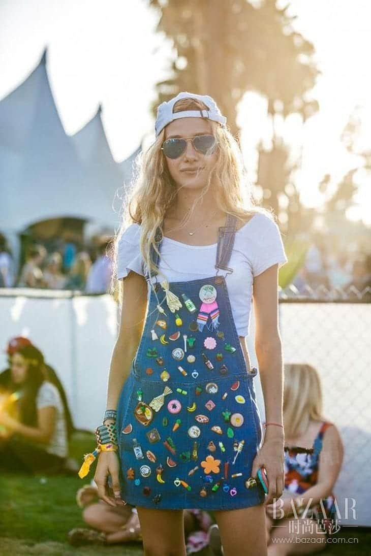 Denim-Dungaree Funky Festival Outfits - 30 Funky Outfits for Girls to Wear