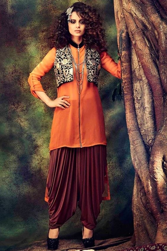 Patiala-Outfit-with-Jacket Classy Patiala Outfits-34 Amazing Ways to Wear Patiala Salwar