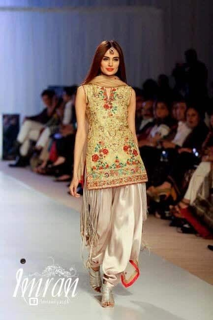 Patiala-Shalwar-Kameez-for-Weddings Classy Patiala Outfits-34 Amazing Ways to Wear Patiala Salwar