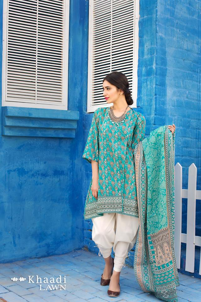 Patiala-Suit-in-Lawn Classy Patiala Outfits-34 Amazing Ways to Wear Patiala Salwar
