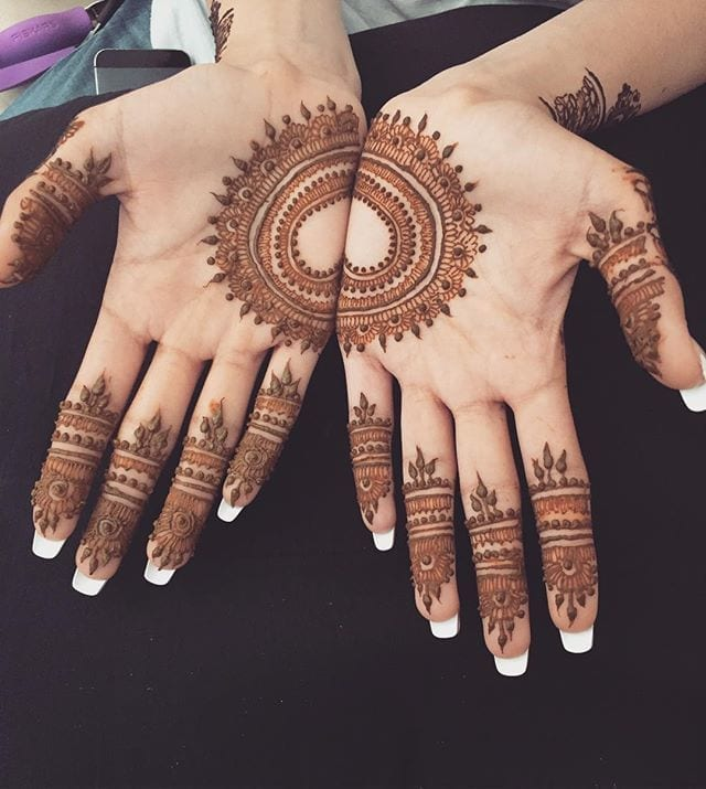 ca9eabbbfddd74d3695eadb4a4a77089 Heart Shaped Mehndi Designs- 20 Simple Henna Heart Designs