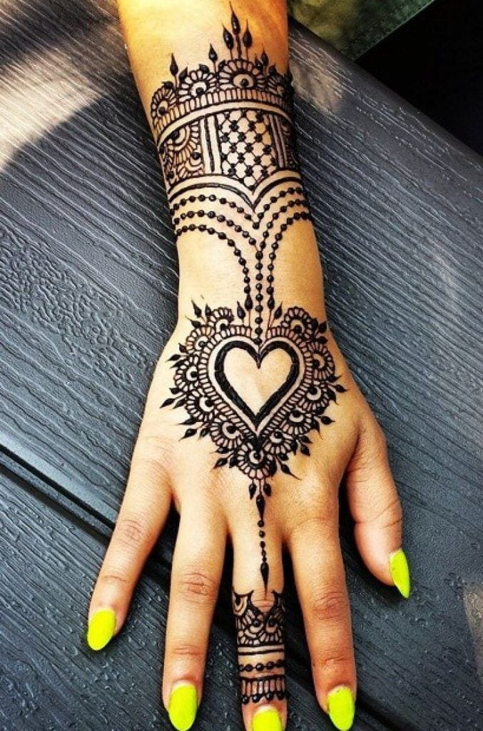 f640e90fc6ec4d28febaf80d4e8a06b8-677x1024 Heart Shaped Mehndi Designs- 20 Simple Henna Heart Designs