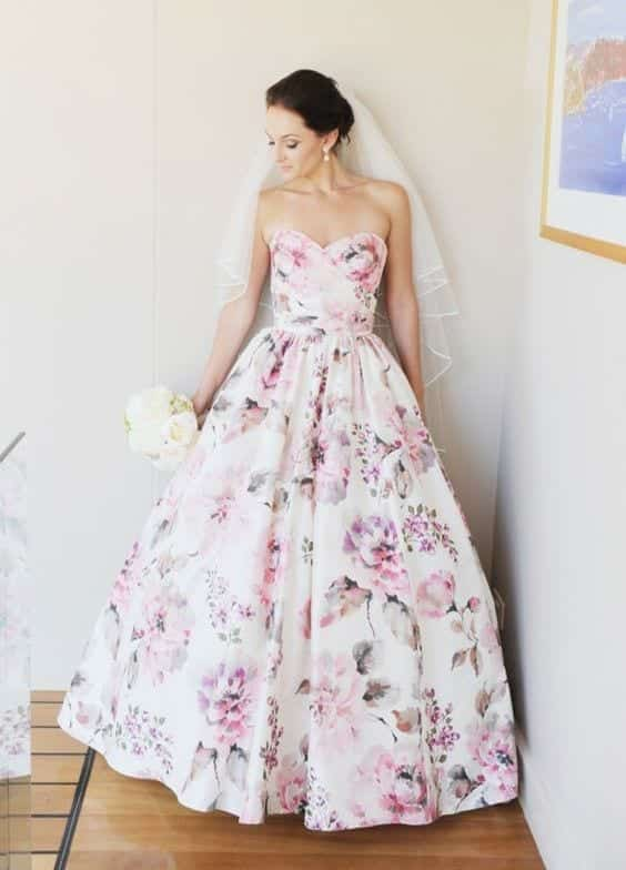 Classy-yet-Funky-Wedding-Dress Funky Outfits for Ladies - 30 Ways to Look Funky for Women