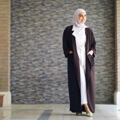 jumpsuit-with-abaya-and-hijab-500x500 Hijab with Jumpsuits - 16 Ways to Wear Jumpsuit with Hijab