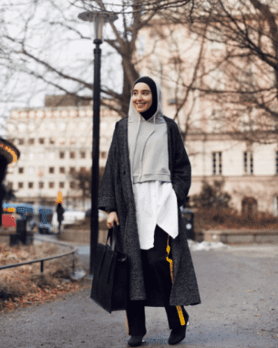 travelling-in-hijab-1-399x500 Travelling in Hijab - 20 Travelling Tips for Stylish Hijabis