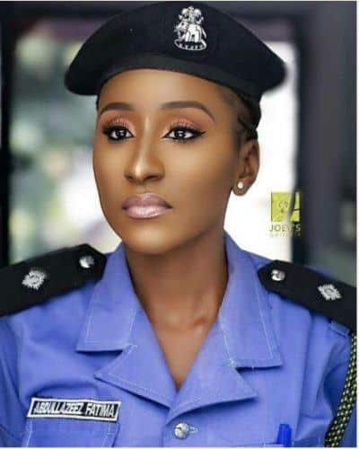 most-beautiful-woman-police-officers-400x500 Top 10 Most Attractive Women Police Forces in World