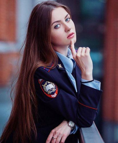 most-beautiful-women-police-officers-russia-413x500 Top 10 Most Attractive Women Police Forces in World