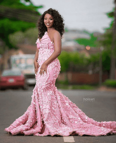 sequined-bridal-dress 30 Latest Nigerian Dresses for Nigerian Brides 2019