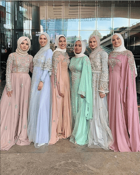 brides-maids-gown-and-hijab-styles How to Wear Hijab with Gowns? 30 Modest Ways to Try Now