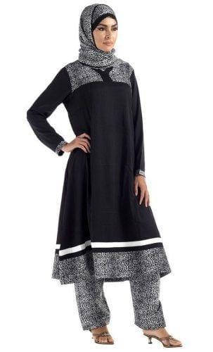 hijab-with-shalwar-kameez-11-303x500 15 Modest Ways for Women To Wear Shalwar Kameez Fashionably