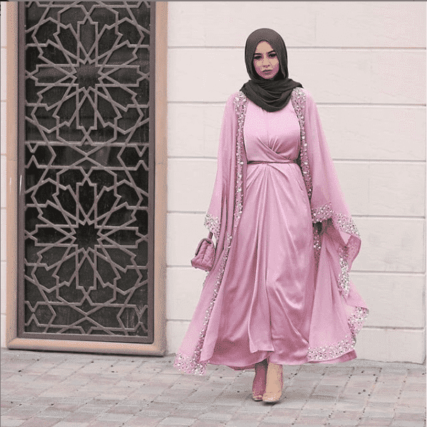how-to-wear-cape-with-a-gown-and-hijab How to Wear Hijab with Gowns? 30 Modest Ways to Try Now