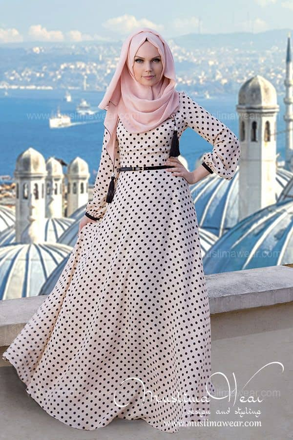 polka-dot-gown How to Wear Hijab with Gowns ? 20 Modest Ways to Try