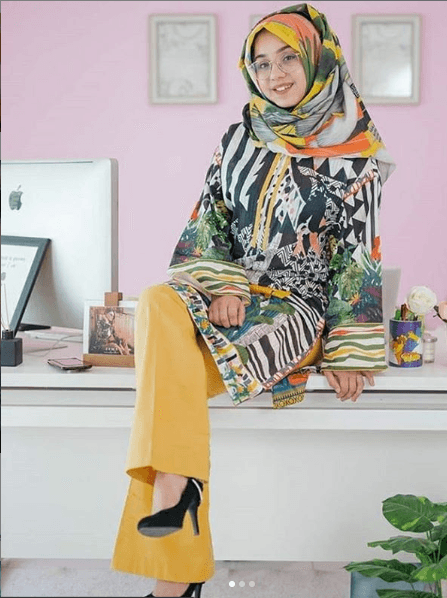 printed-hijab 15 Modest Ways for Women To Wear Shalwar Kameez Fashionably