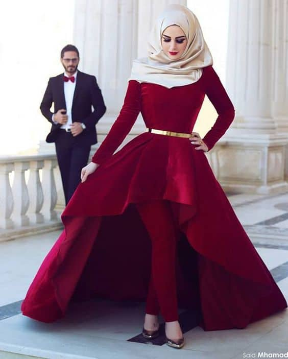 velvet-gown-for-prom-with-hijab How to Wear Hijab with Gowns ? 20 Modest Ways to Try