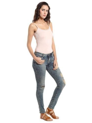 vero-moda-distressed-768x1024-375x500 Top 10 Jeans Brands for Women in India with Price