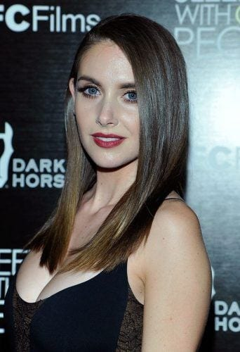 alison-brie-cute-dp-342x500 Cute DPs of Jewish Girls – 30 Best Jewish Girls Profile Pics
