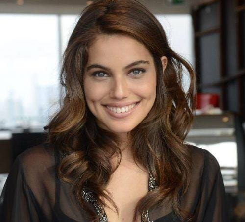 shlomit-malka-cute-dp-500x453 Cute DPs of Jewish Girls – 30 Best Jewish Girls Profile Pics