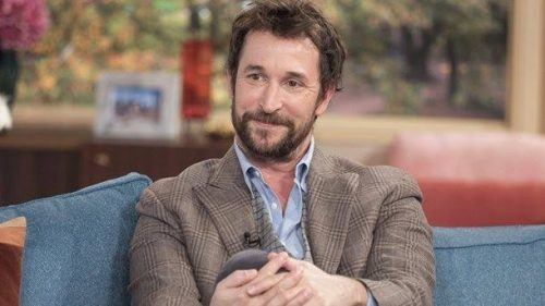 noah-wyle-hottest-jewish-man-500x281 Handsome Jewish Men – 20 Most Hottest Jewish Guys 2019