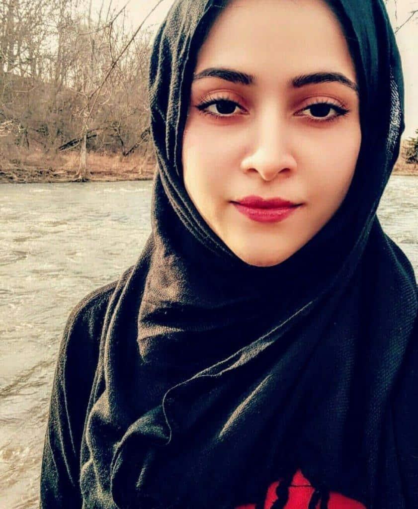 pakistani-actresses-in-hijab-10-841x1024 25 Beautiful Pakistani Celebrities Wearing Hijab
