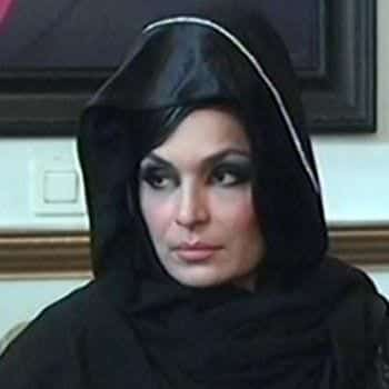 pakistani-actresses-in-hijab-11 25 Beautiful Pakistani Celebrities Wearing Hijab