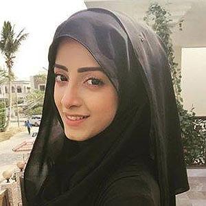 pakistani-actresses-in-hijab-15 25 Beautiful Pakistani Celebrities Wearing Hijab