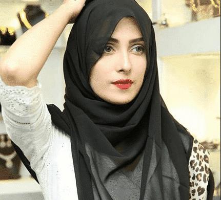 pakistani-actresses-in-hijab-6-e1567363366326 25 Beautiful Pakistani Celebrities Wearing Hijab
