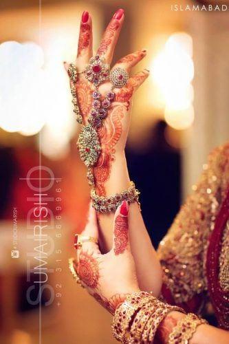 pakistani-bride-accessories--333x500 20 Must-Have Accessories for Pakistani Brides