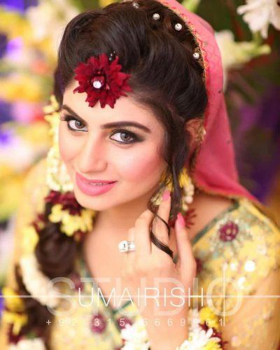 pakistani-brides-accessories-2-400x500 20 Must-Have Accessories for Pakistani Brides