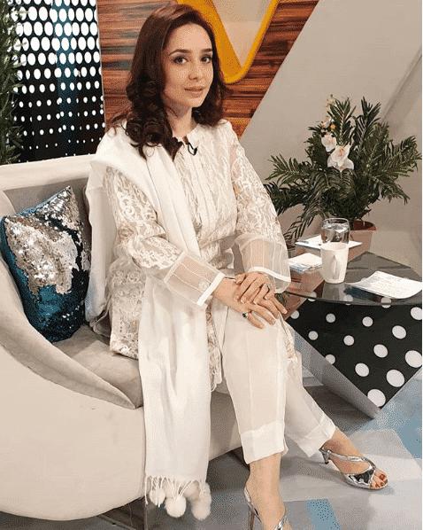 juggun-kazim 24 Ways to Wear All White Outfits Like Pakistani Celebrities
