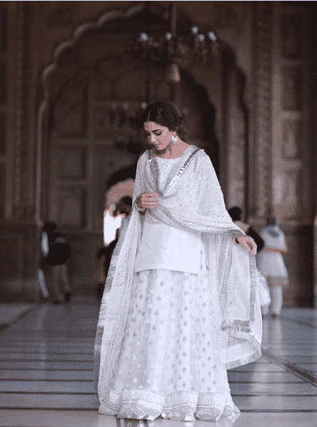 maya-ali 24 Ways to Wear All White Outfits Like Pakistani Celebrities
