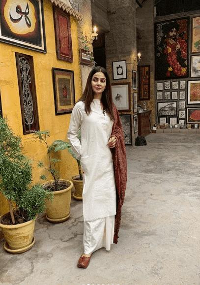 saba-qamar 24 Ways to Wear All White Outfits Like Pakistani Celebrities