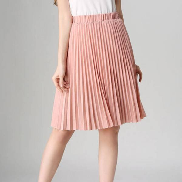 pleated-skirt 20 Best Fall Outfits For Women Over 60 - Fall Dressing Ideas