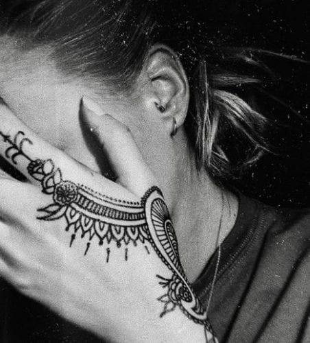 tatoo-for-skinny-girls-6-452x500 Tattoos for Skinny Girls - 30 Tattoo Designs for Slim Girls