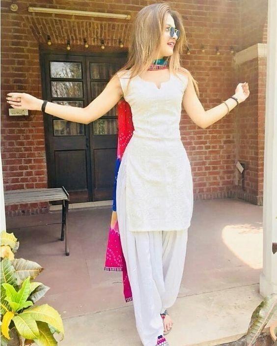White Shalwar Kameez Styling Ideas (13)