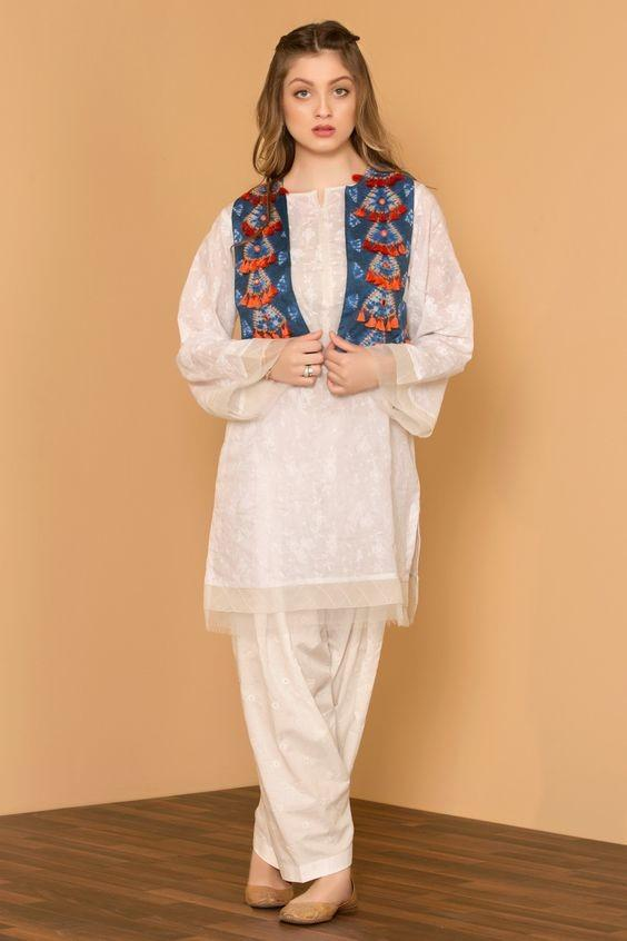 13 30 Ideas On How To Wear White Shalwar Kameez For Women