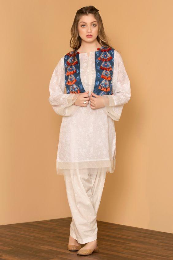 White Shalwar Kameez Styling Ideas (12)