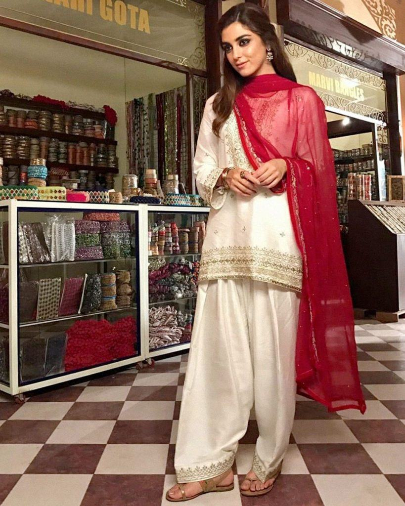 17-819x1024 30 Ideas On How To Wear White Shalwar Kameez For Women