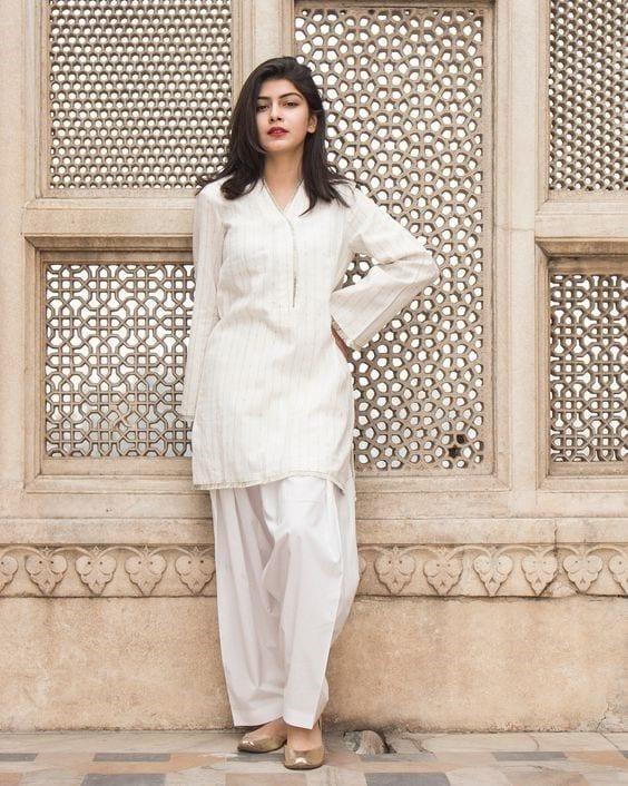 White Shalwar Kameez Styling Ideas (6)