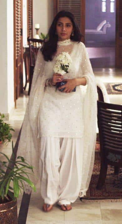 27 30 Ideas On How To Wear White Shalwar Kameez For Women