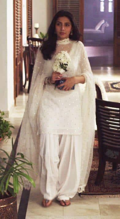 White Shalwar Kameez Outfits