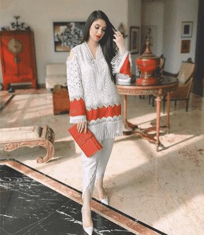 white-salwar-kamiz 30 Ideas On How To Wear White Shalwar Kameez For Women