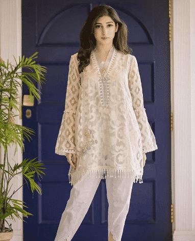 white-shalwar-kameez-1 30 Ideas On How To Wear White Shalwar Kameez For Women