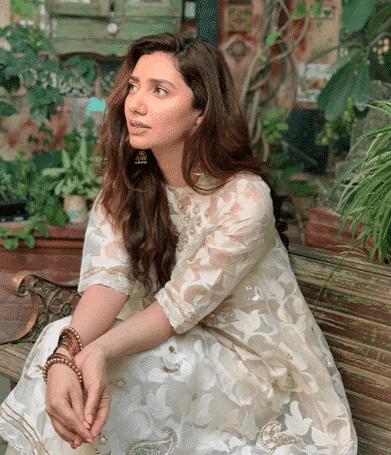 white-shalwar-kameez-2 30 Ideas On How To Wear White Shalwar Kameez For Women