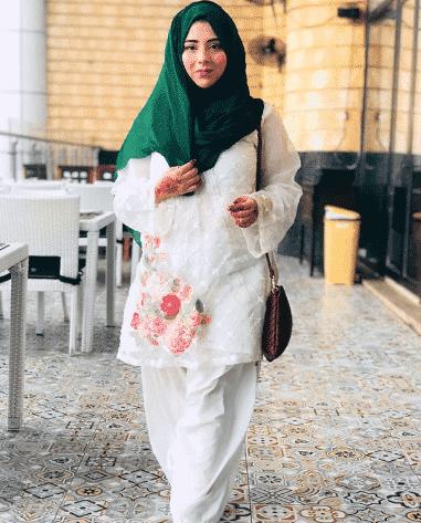 white-shalwar-kameez-7 30 Ideas On How To Wear White Shalwar Kameez For Women