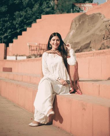 white-shalwar-kameez-8 30 Ideas On How To Wear White Shalwar Kameez For Women